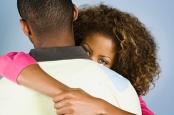 couple hugging2